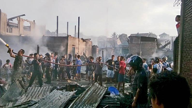 Belasan Rumah Hangus Terbakar, Pemkab Salurkan Bantuan
