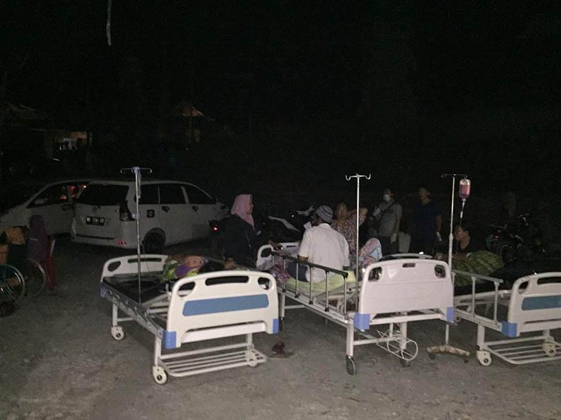 Pasangkayu Diguncang Gempa Dahsyat, Pengungsi Membludak di Rujab Bupati