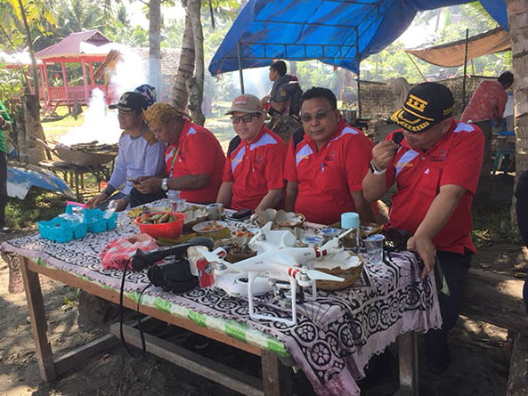 Pedagang Makanan Panen Untung di Festival Kayumaloa