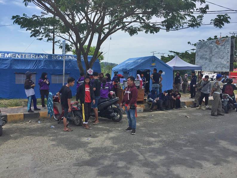 Posko Logistik Pasangkayu Disinggahi Hampir 1.000 Pengungsi per Hari