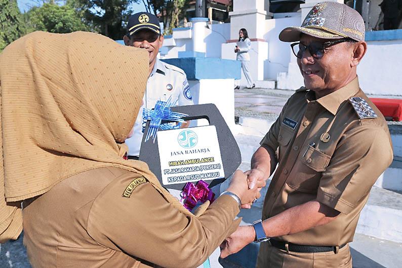 Jasa Raharja Serahkan Bantuan Ambulance ke Pemkab Mamuju