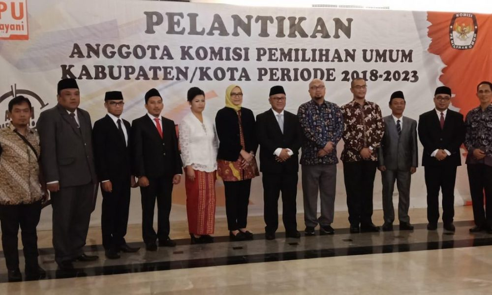 Lima Komisioner KPU Mamasa Periode 2018-2023 Resmi Dilantik