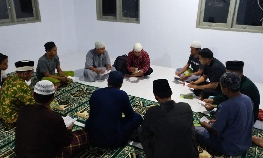 Patut Dicontoh, Personil Polres Matra Ajak Penghuni BTN Ngaji