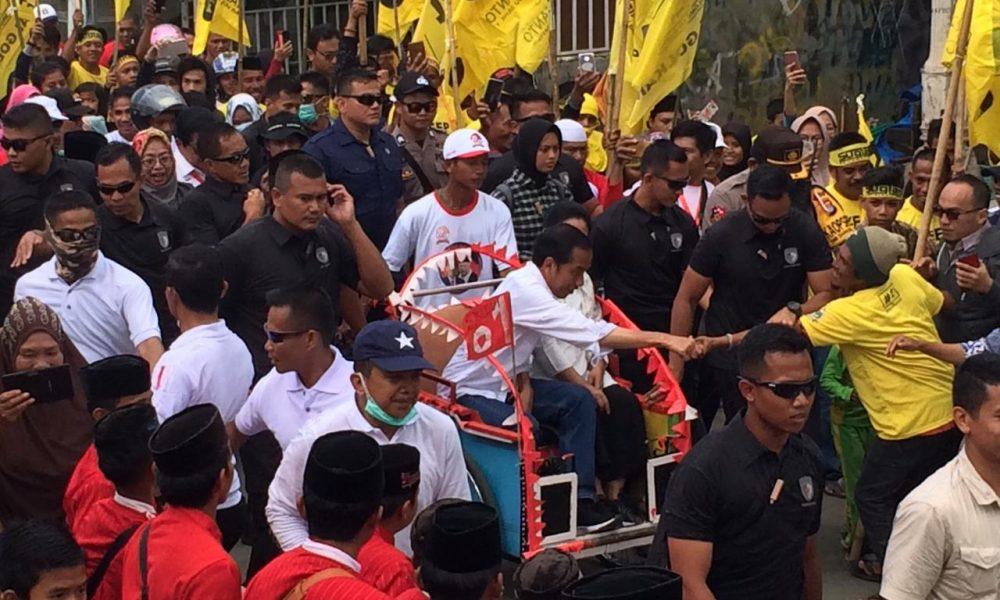 Kampanye di Mamuju, Jokowi Janji Tuntaskan Pembangunan di Sulbar