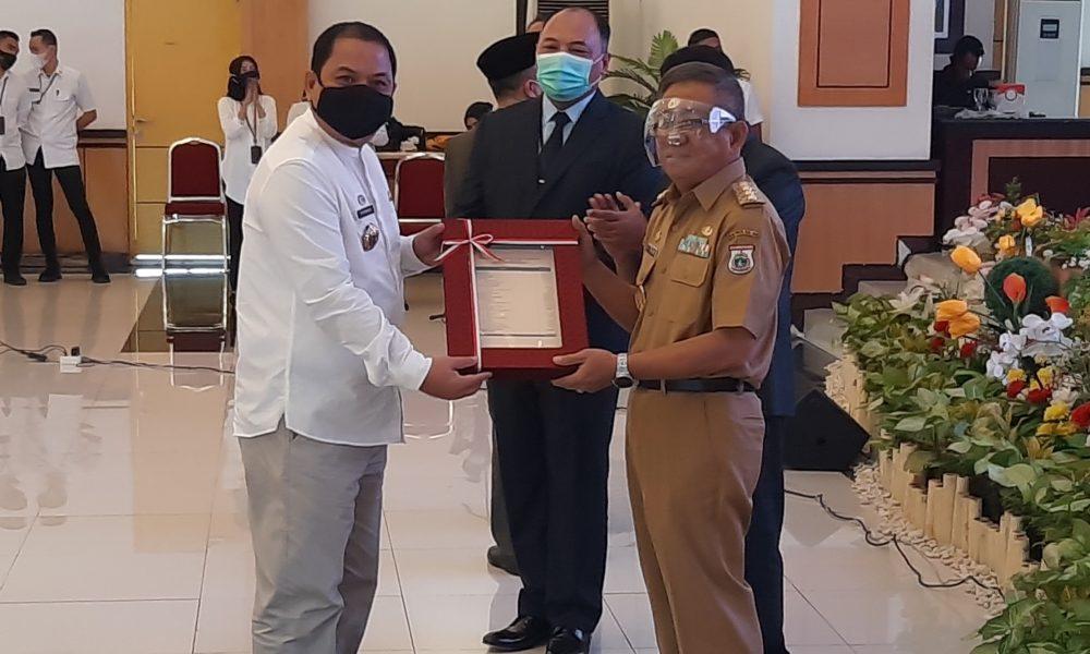 Sekkab Pasangkayu Terima DIPA dan Dana Transfer Dari Gubernur Sulbar