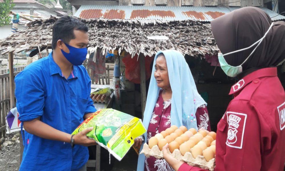 Bersama Wartawan,Polres Pasangkayu Berbagi ke Warga Miskin