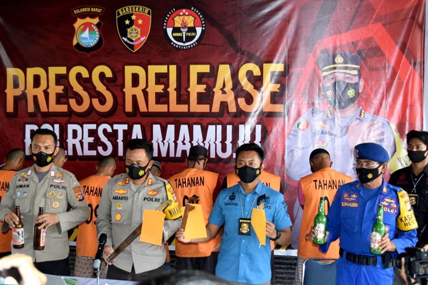 Sembilan Pelaku Bom Ikan Diamankan Polisi