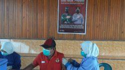 Masyarakat Berbondong-Bondong Ikuti Vaksinasi di Polres Pasangkayu
